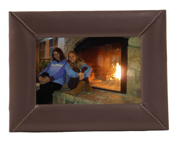 "Dacasso Chocolate Brown Leather 4"" x 6"" Picture Frame"